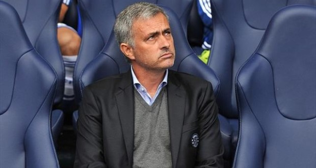 I'll do my best but difficult to win the title, says Mourinho (even before Christmas)