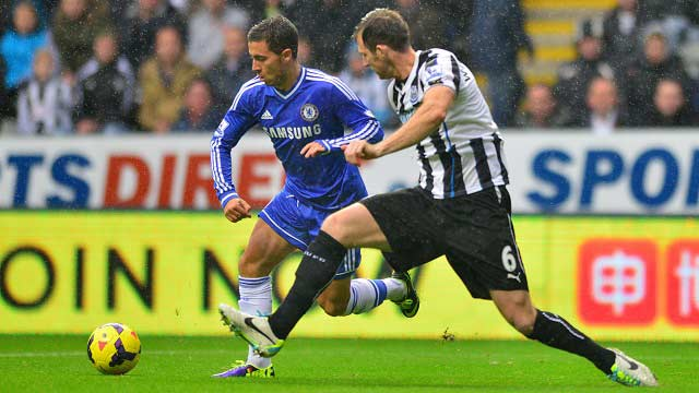 Chelsea-Newcastle-Eden-Hazard-2014