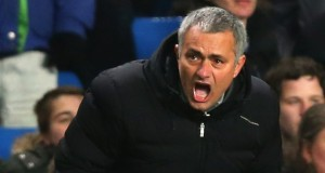 Jose Mourinho barking orders Chelsea vs Liverpool 2013