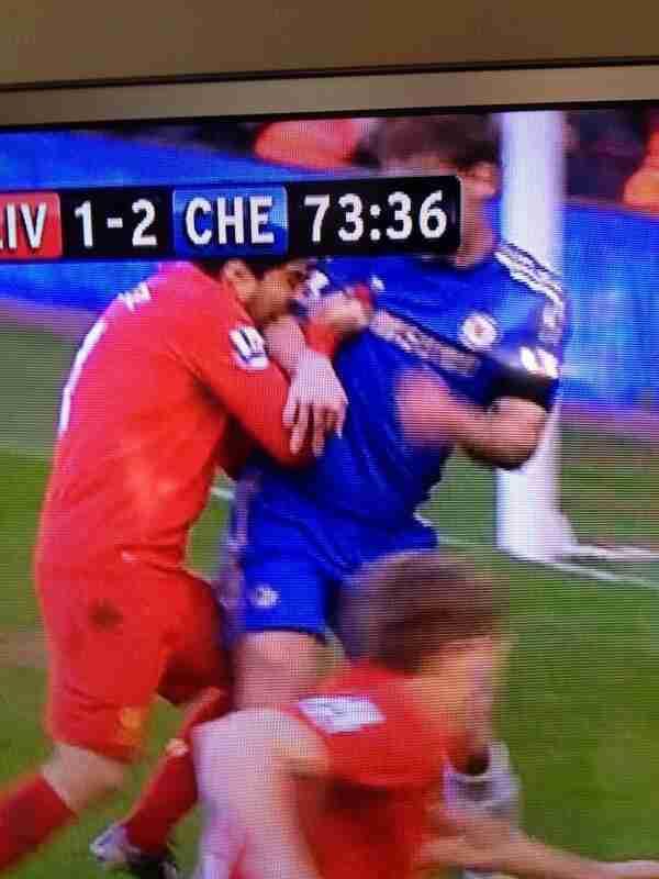 Liverpool 2-2 Chelsea suarez biting ivanovic 2013